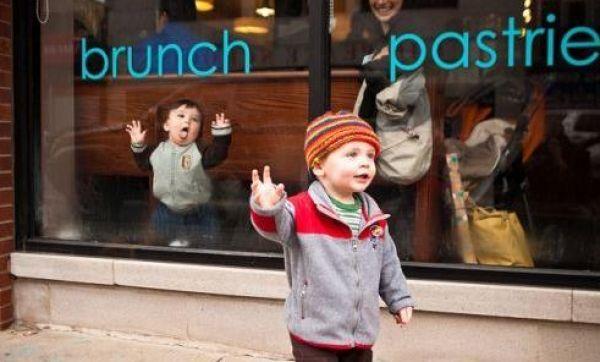 hilarious-baby-photobomb3